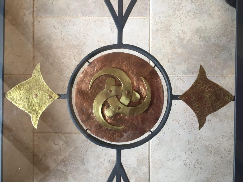 Emblème en cuivre et laiton les cornes d'Odin