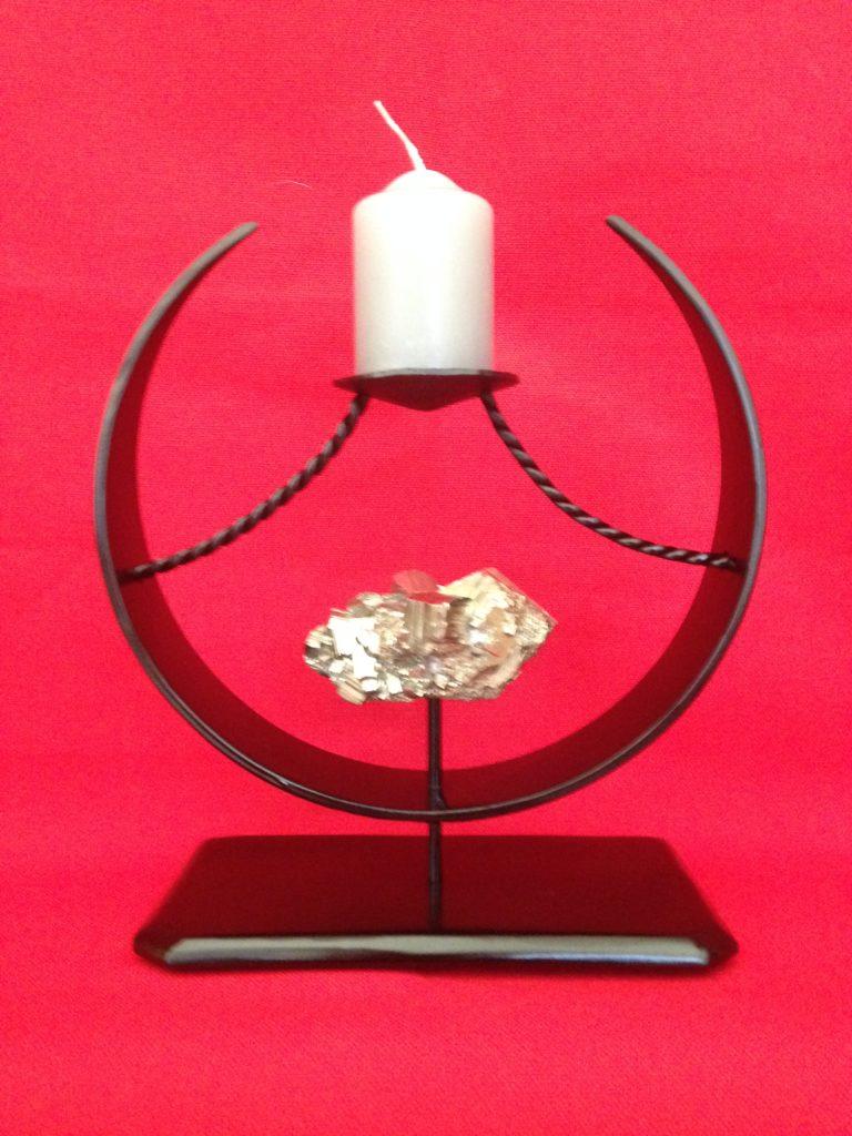 """Bougeoir de forme circulaire  """"pyrite"""" en fer forgé. Finition acier noir satin"""